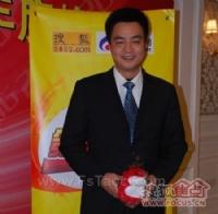 访法恩莎瓷砖销售部经理邓平峰